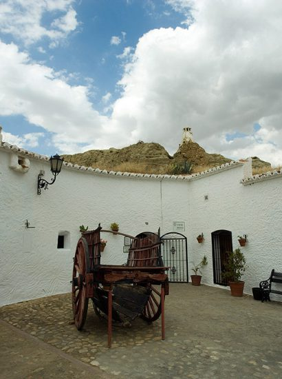 cueva museo guadix6 410x550 - Centro de interpretación de las Cuevas (Guadix) - Geoparque de Granada