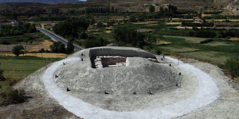 sep 50 final con tumulo 800x400 - Yacimiento Necrópolis de Tútugi (Galera) - Geoparque de Granada