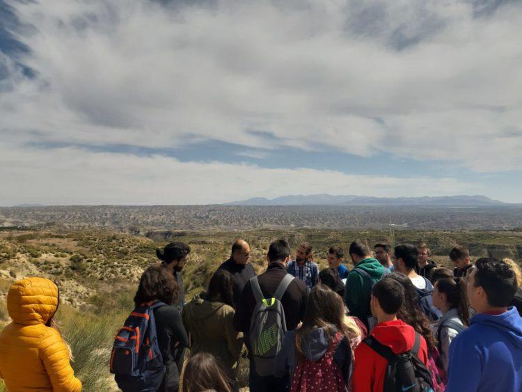 DIA CAMPO 01 2019 03 29 at 19.49.52 750x563 - Educación y participación ambiental en el Geoparque de Granada, un objetivo para todos los públicos. - Geoparque de Granada