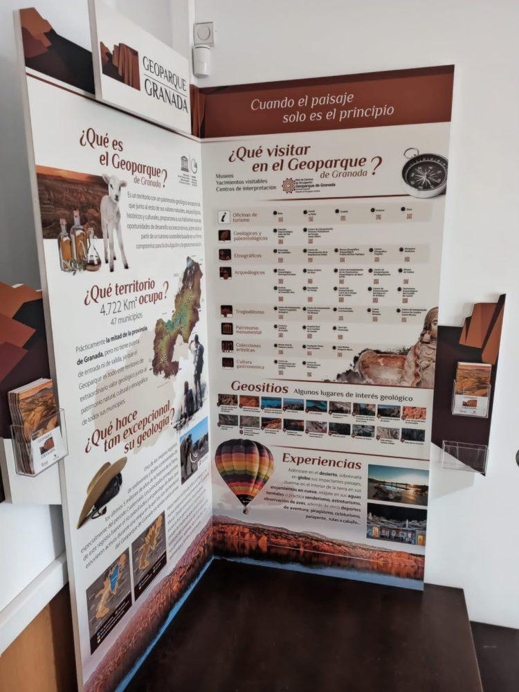 RINCON GEOPARQUE EN CIT CÚLLAR 750x1000 - El Geoparque instala espacios de promoción en 36 centros de interpretación y puntos de información turística del territorio - Geoparque de Granada