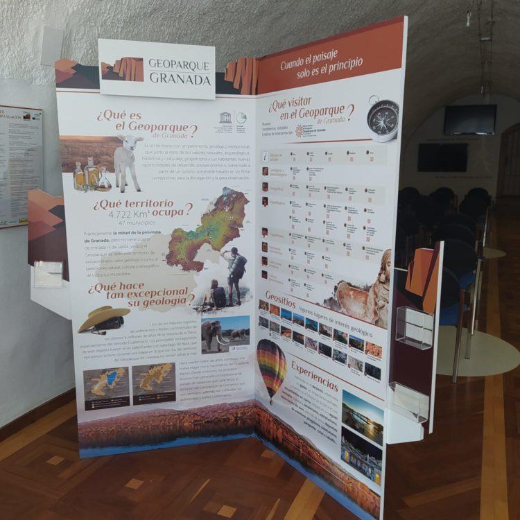 RINCON GEOPARQUE EN TROPOLIS 750x750 - El Geoparque instala espacios de promoción en 36 centros de interpretación y puntos de información turística del territorio - Geoparque de Granada