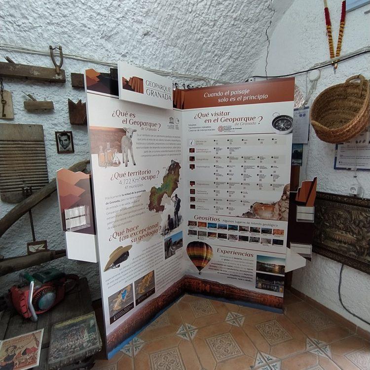 Rincón Geoparque Cueva Inmaculada Purullena 750x750 - El Geoparque instala espacios de promoción en 36 centros de interpretación y puntos de información turística del territorio - Geoparque de Granada
