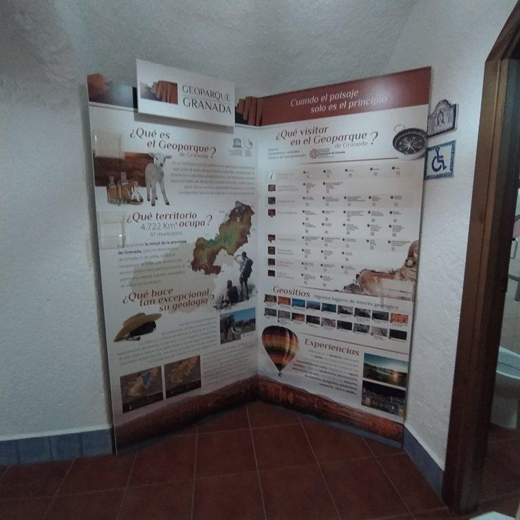 Rincón Geoparque Cuevas de Guadix 2 750x750 - El Geoparque instala espacios de promoción en 36 centros de interpretación y puntos de información turística del territorio - Geoparque de Granada