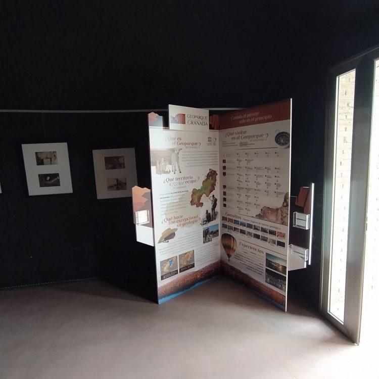 Rincón del Geoparque en Benalúa 750x750 - El Geoparque instala espacios de promoción en 36 centros de interpretación y puntos de información turística del territorio - Geoparque de Granada